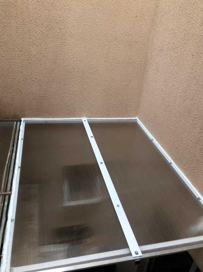 Cobertura abre e fecha policarbonato em Santo André